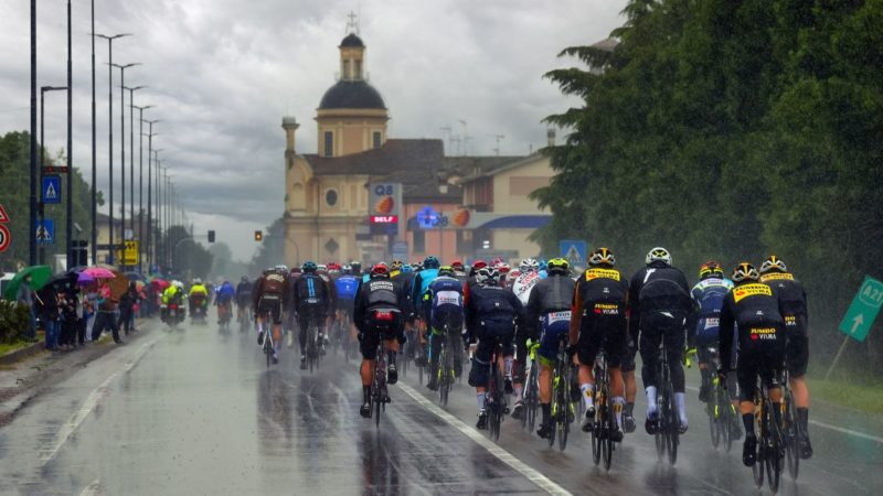 Giro d'Italia stage 4 race bubble COVID-19 tests all negative