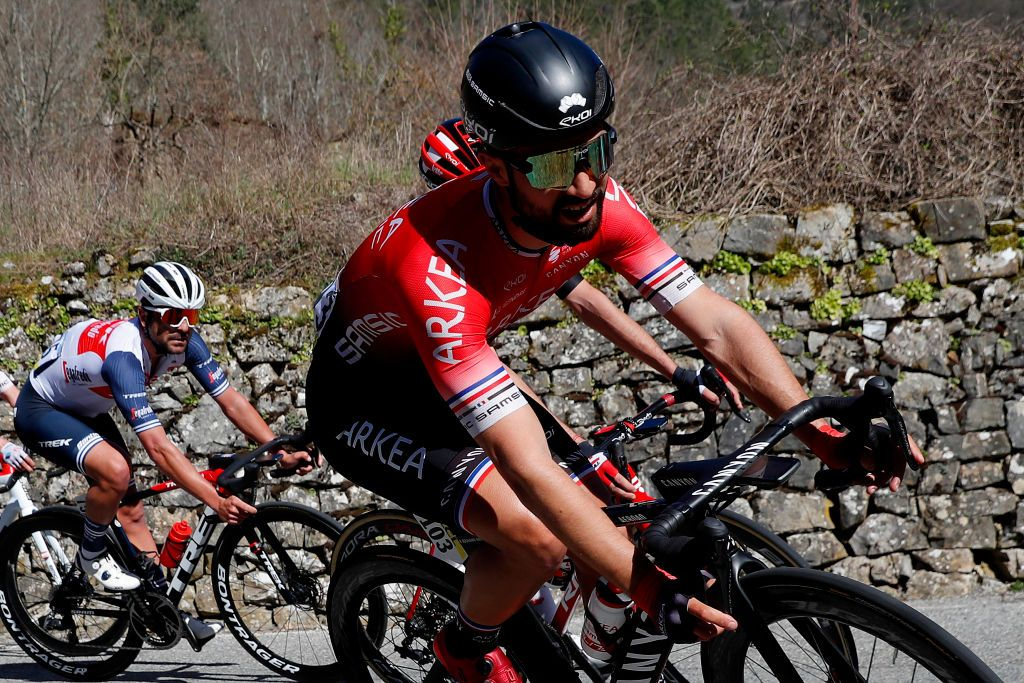 Bouhanni kreeg twee maanden schorsing wegens 'gevaarlijk gedrag' in de sprint van Cholet