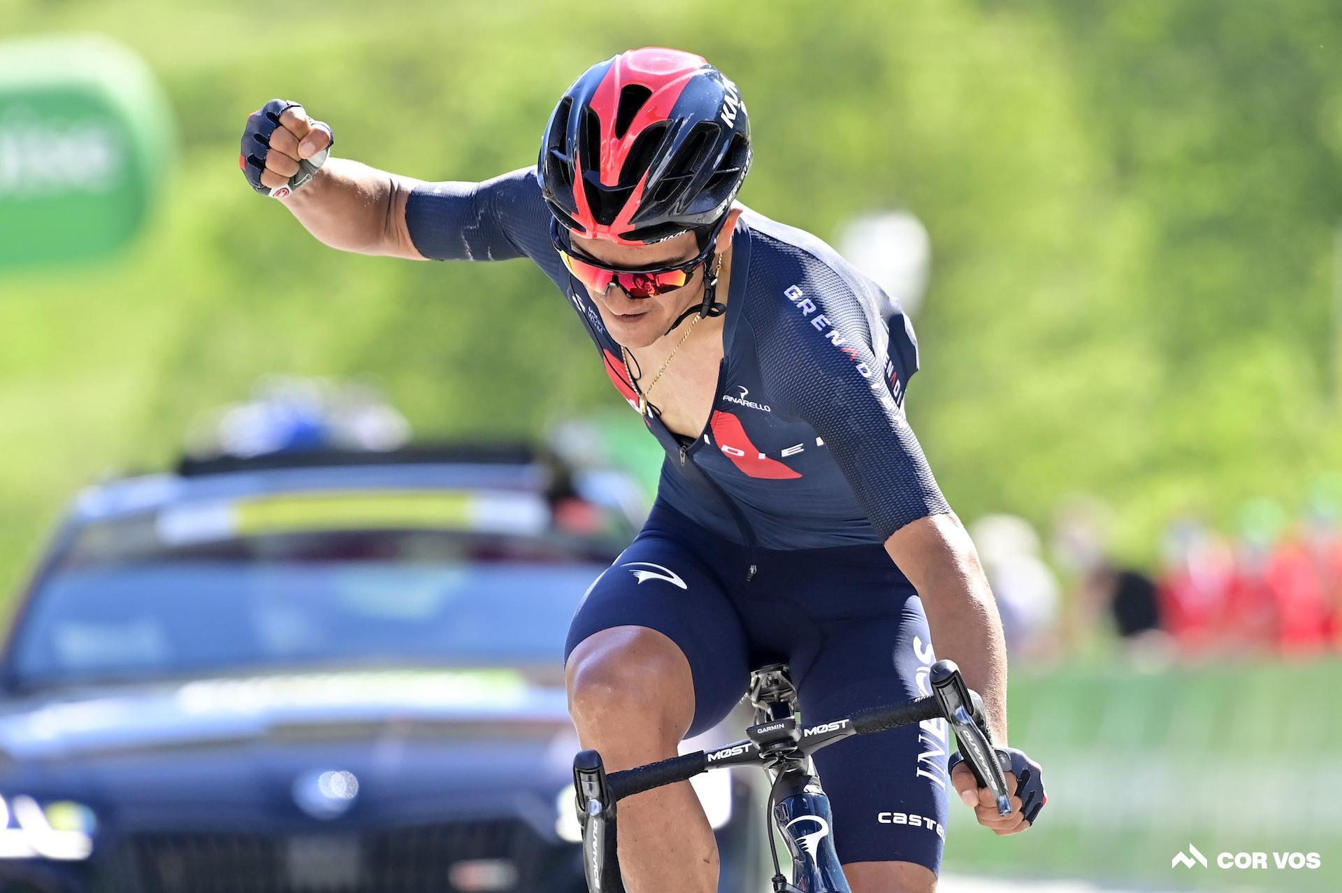 Richard Carapaz vince la tappa 5 . del Tour de Suisse