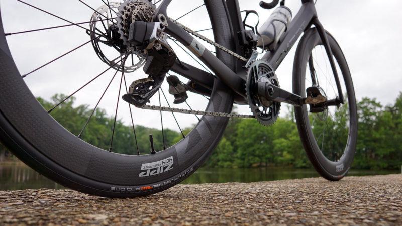 Recensione: 2022 Zipp 404 Firecrest sono ruote aerodinamiche profonde per tutti, oltre a pesi effettivi