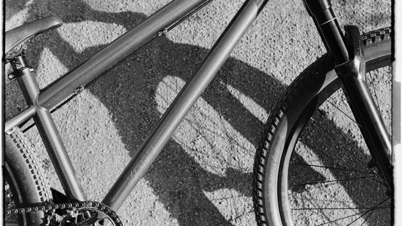 2022 Kona Shonky Dirt Jump and Pump Track Bike får ny … maling?
