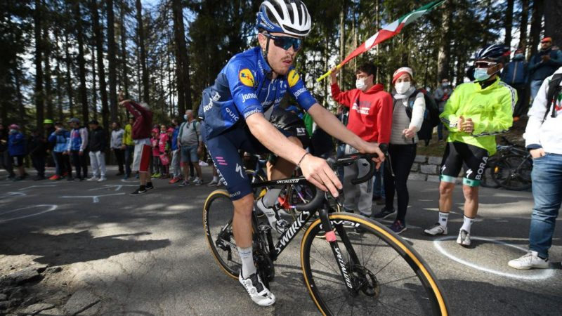 Cavagna solos to French men's road title