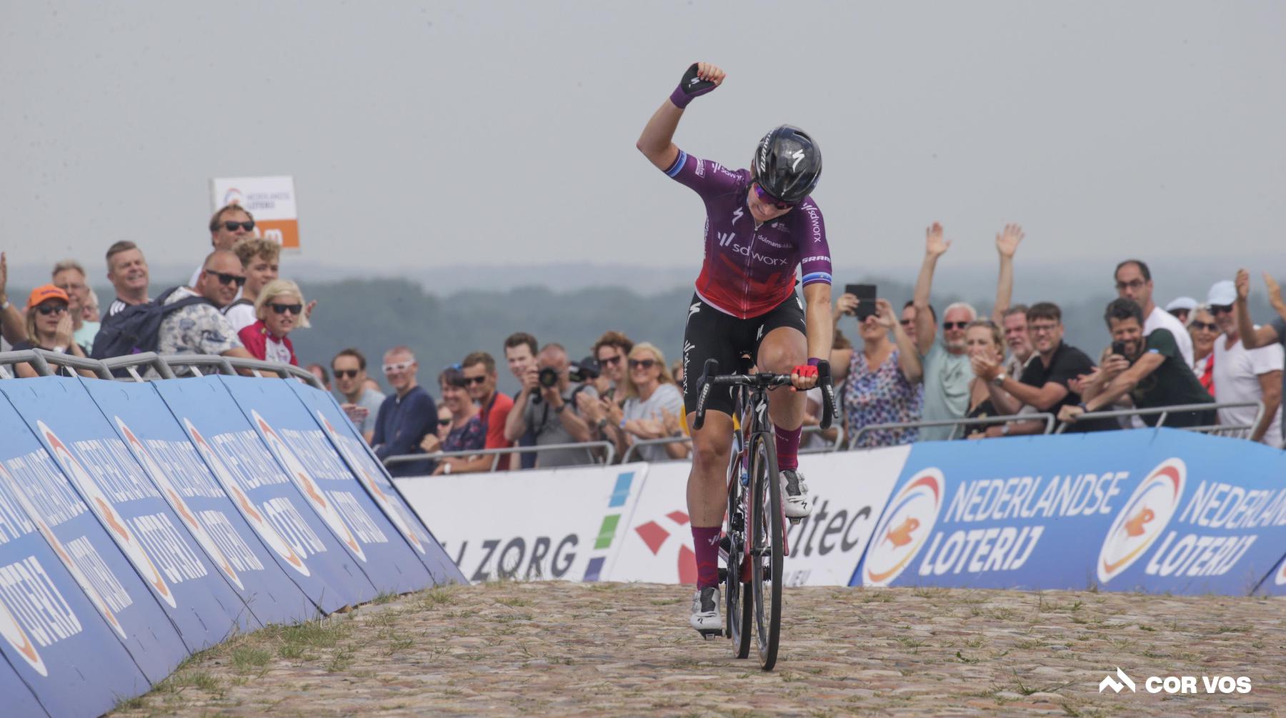 Amy Pieters remporte le titre national néerlandais sur route