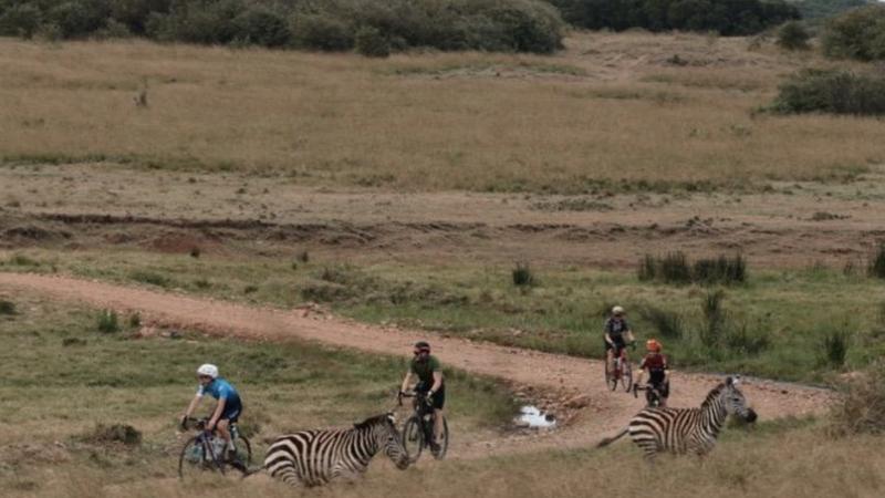 Migration Gravel: Laurens ten Dam wins stage 1 for men