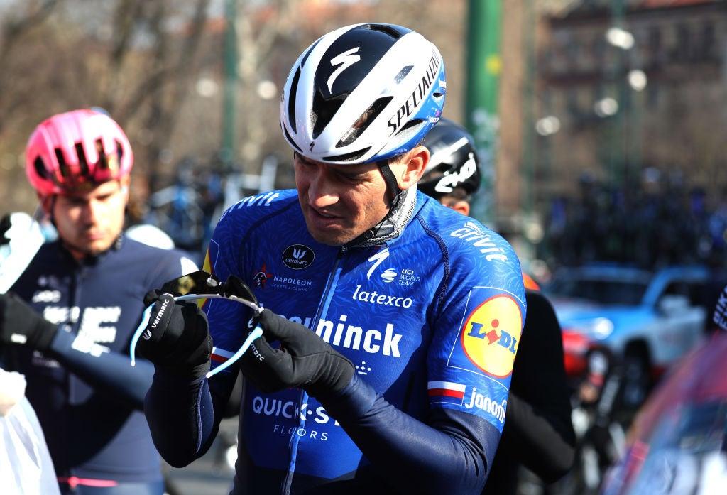 VN-nieuwsticker: Zdeněk Štybar breekt vinger bij crash, Tim Merlier verslaat Mark Cavendish en wint Elfstedenronde