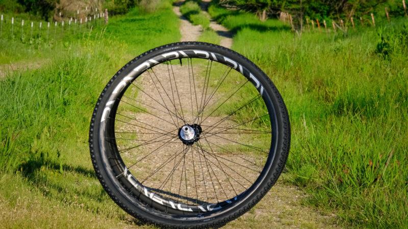 Análise da primeira viagem: Revel Wheels adiciona o rodado de cascalho RW23