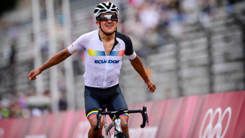 Richard Carapaz wins Olympic gold in men's road race