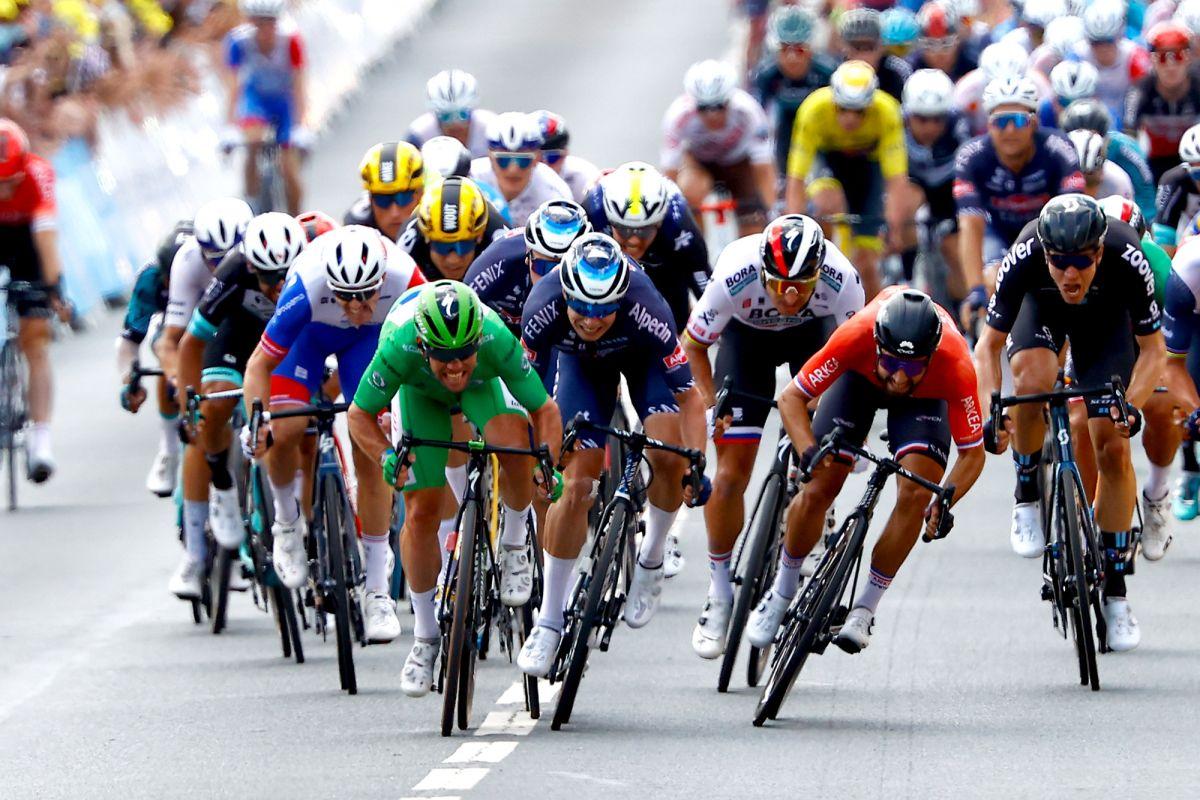 Consistent Bouhanni takes another sprint podium at Tour de France