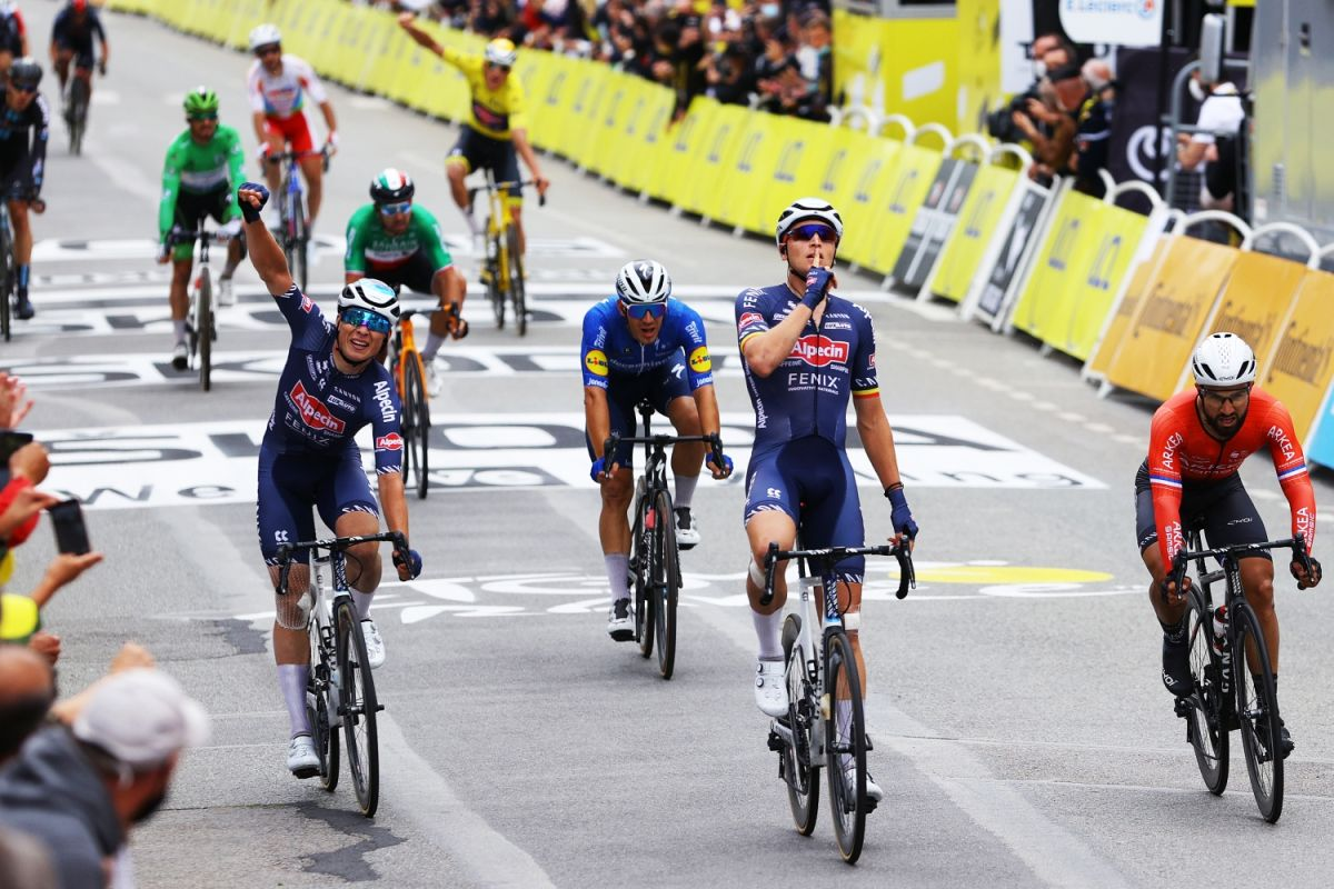 Alpecin-Fenix sprint switching strategy paying dividends at Tour de France