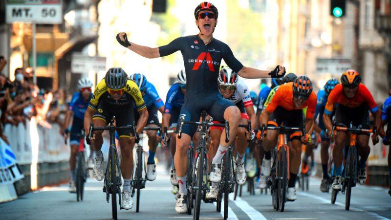 Sprints, finales cuesta arriba, persecución en equipo: el inglés Ethan Hayter puede hacerlo todo