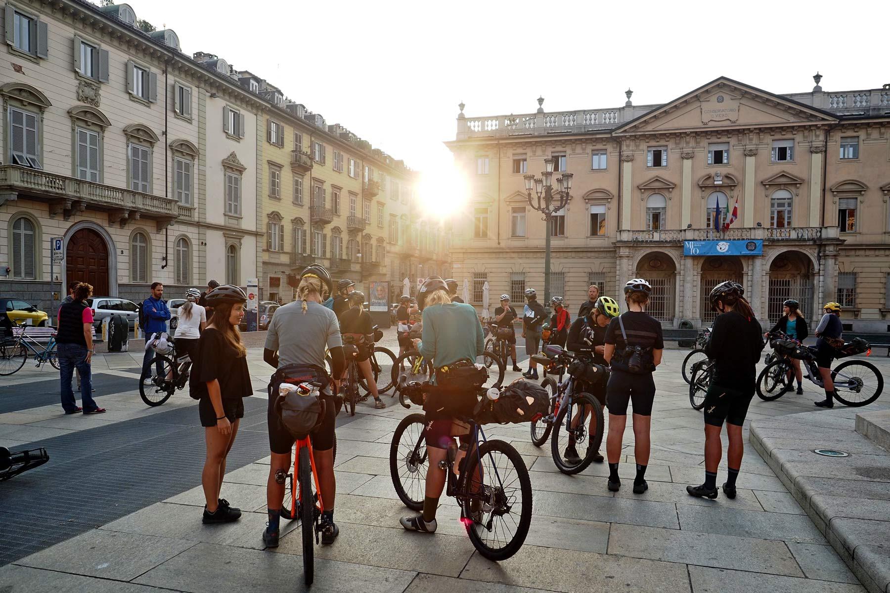 Friday Roundup: Kvinder Torino Nice eventyr, bakspejl, Win Campy Ekar eller en Ripmo og mere!