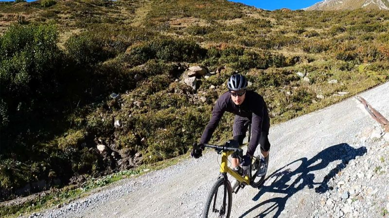 Examen: la micro suspension du vélo de gravier BMC URS LT lui confère une capacité de déchiquetage macro