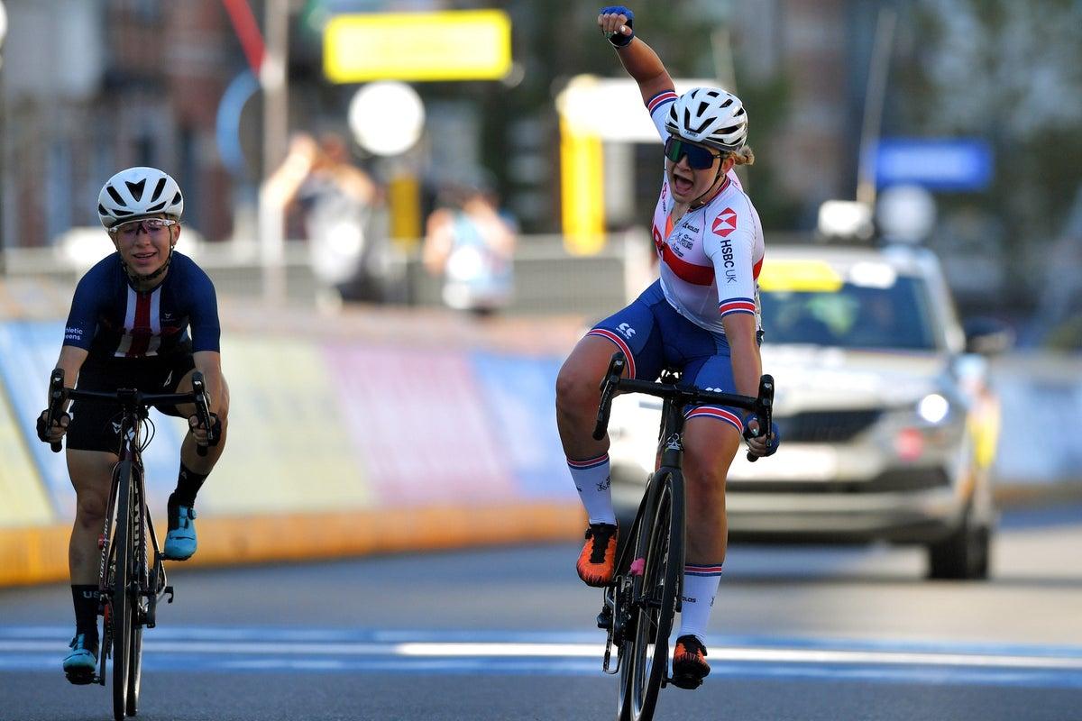 Zoe Backstedt supera a americana Kaia Schmid na tensa corrida de rua feminina junior
