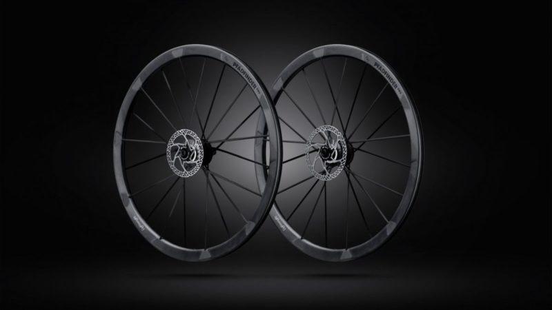 Lightweight debuts Pfadfinder Evo gravel wheelset