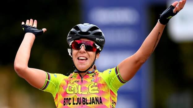 英國女子巡迴賽:瑪爾塔巴斯蒂安內利贏得第一階段,漢娜巴恩斯第六