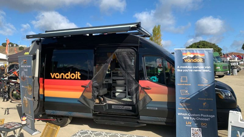 VanLife Mega Roundup: furgonetas camper, remolques y equipo terrestre personalizados de Sea Otter