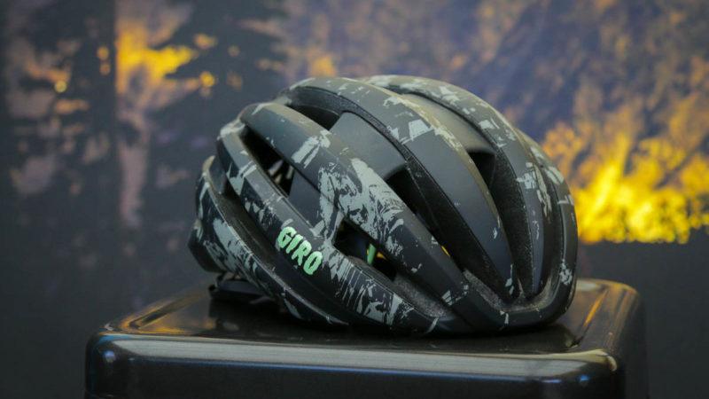 Giro Montaro a Synthe dostanou redesign MIPS 2, navíc nové zimní boty Blaze, oblečení do deště Xnetic a další!