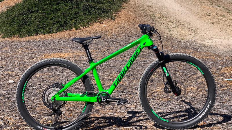 Trailcraft lanza MTB de fibra de carbono para niños, ruedas de carbono y horquilla de suspensión de carbono