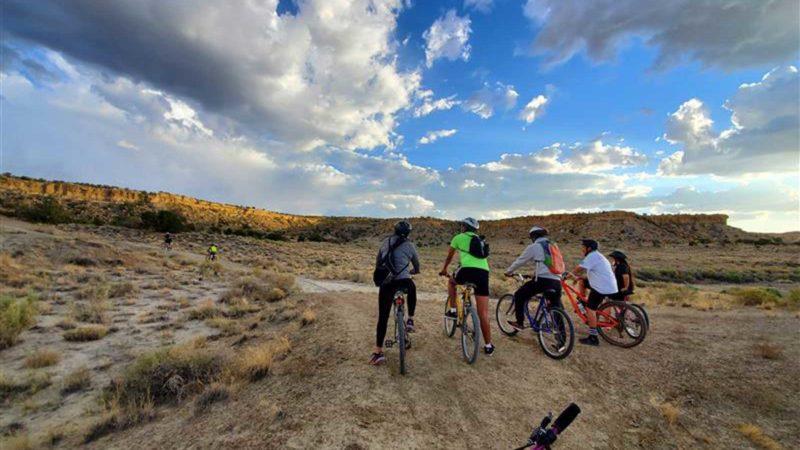 कैनोन्डेल, ईएफ और यूएसएसी ने साइकिलिंग कार्यक्रम अनुदान के एचबीसीयू और टीसीयू प्राप्तकर्ताओं की घोषणा की