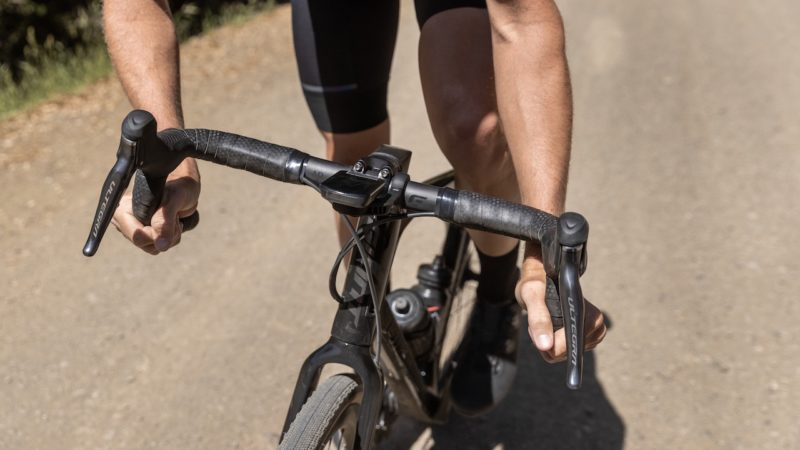 """195g CADEX AR """"one-piece"""" gravel handlebar is the traditional shape you've been waiting for"""