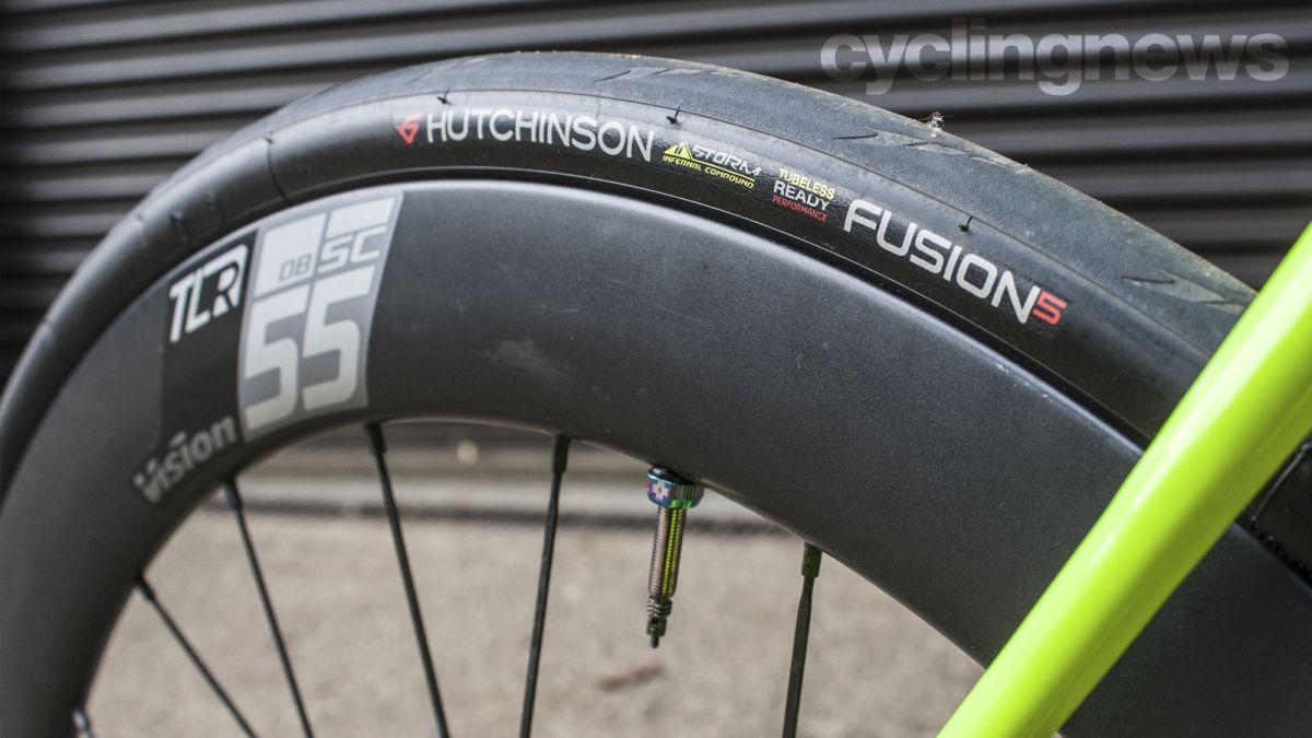 Quand remplacer les pneus de vélo : signes d'avertissement et ce qu'il faut surveiller