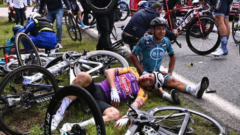 CPA, Tour de France'da büyük kazaya neden olan 'Allez Opi-Omi' hayranına karşı yasal işlem başlattı