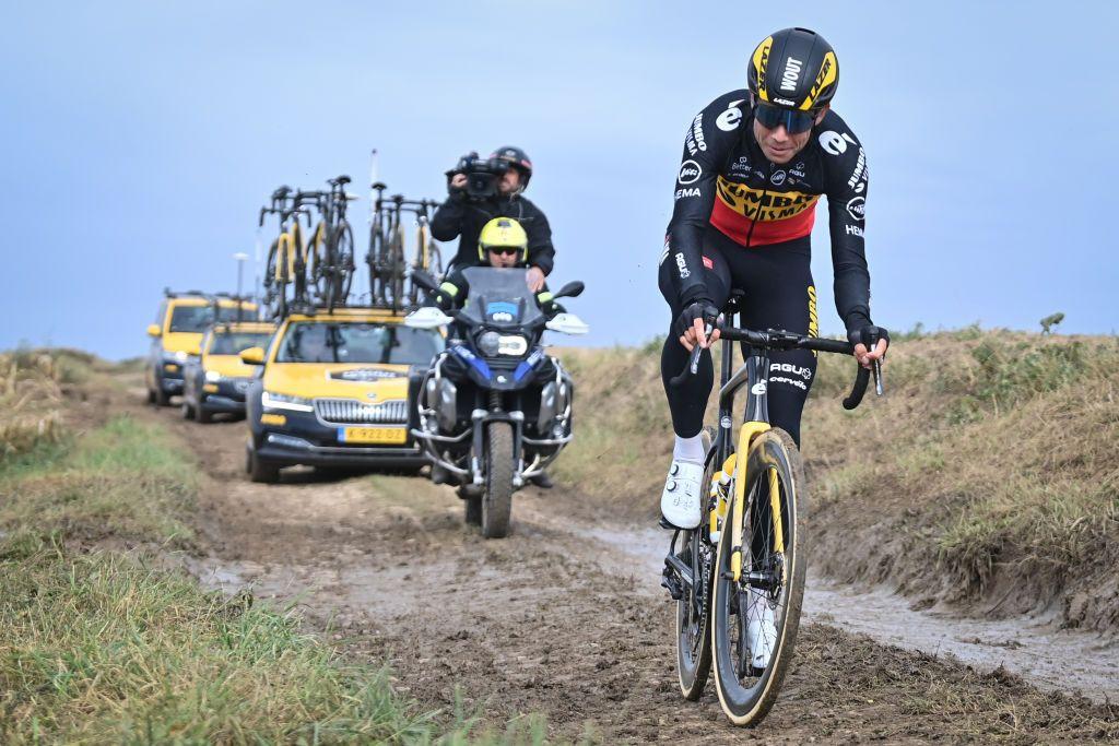 Van Aert hits back at Evenepoel's World Championships criticism