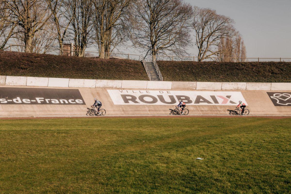 Mujeres históricas debaten sus pensamientos y expectativas antes de la primera Paris-Roubaix Femmes